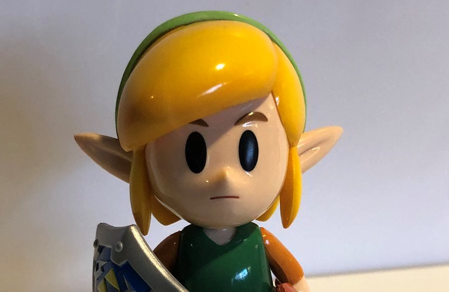 Photos of the new Link, Snake, Isabelle, Pokemon Trainer, and Pichu amiibo