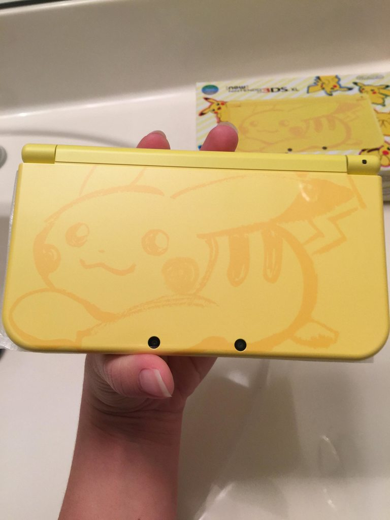 Nintendo 3ds xl pikachu yellow edition us version releases.